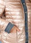 Donsjekker met jeans, Goud